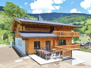 Luxury Chalet in Saalbach-Hinterglemm near Ski Area