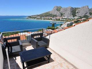 Spacious Apartment in Omiš Dalmatia with Terrace