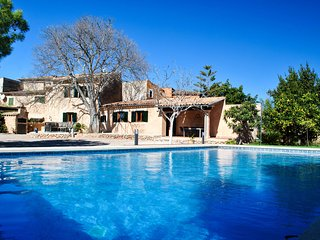 Nice finca with private pool within walking distance of the center