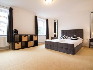 iStay - The Avenue | Luxury Two Bedroom Apartment in Town Centre