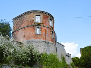 Beautiful group house in the tower of an old castle in the heart of Beauraing