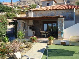 Charming Villa in Agia Paraskevi with Swimming Pool