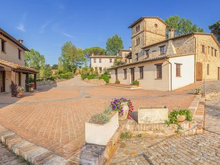 Apartment in a hamlet, 2 swimming pools, fitness room, restaurant, terrace, gard