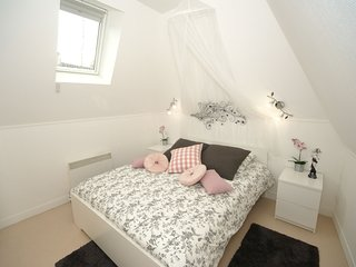 Spacious, modernised accommodation right in the centre of Bayeux