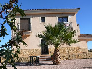 Detached villa with private swimming pool for large families and groups up to 12