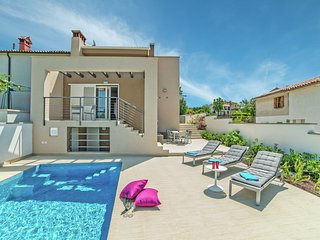 Modern villa with private swimming pool nearby Labin and the beaches of Rabac