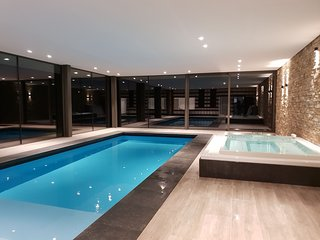 Top range house with indoor pool and many amenities in the High Fens area