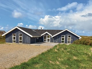 Amazing home in Ringkøbing w/ Sauna, WiFi and 6 Bedrooms
