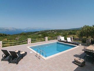 Ten uroczy dalmatynski dom wakacyjny w zacisznej lokalizacji zapewnia wyjatkow