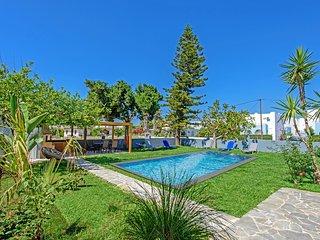 Modern villa,Walking distance to beach & amenities,Platanes