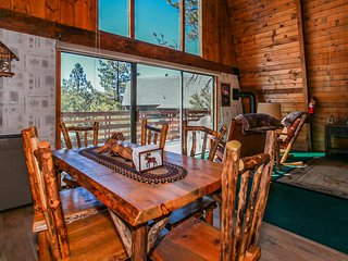 Yosemite Summit Ultra Relaxing 3BR Furnished Chalet w/ Foosball