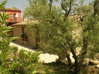 Fabulous Country House With WiFi in Monte San Martino Italy