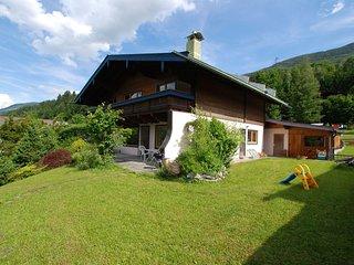 Comfortable Apartment in Neukirchen am Großvenediger near Ski Area