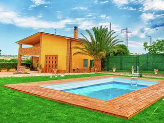 Wonderful villa with private swimming pool, near the sea