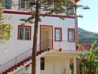 Apartment in a beautiful villa, surrounded by nature and near the sea.
