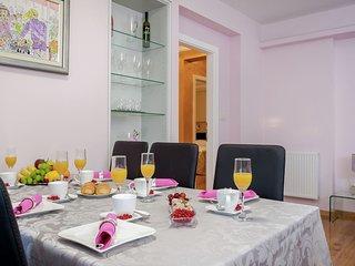 Sprawling Apartment in Zrnovnica Dalmatia, Croatia