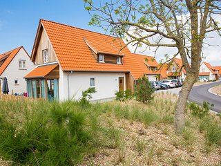 Villa, two bathrooms and a washing machine, 10km from Ostend