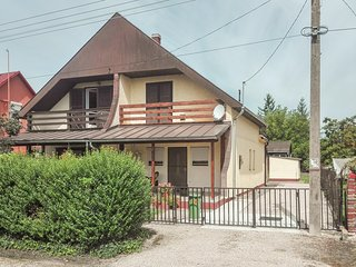 Beautiful home in Balatonboglár w/ 2 Bedrooms (UBF279)