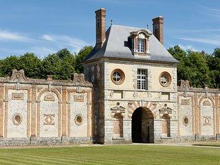 La Poterne, maison perchée face au Château de Fleury - 2 chambres