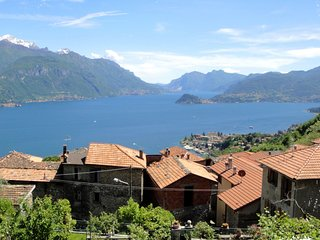 5km from Menaggio, with large, equipped garden and gorgeous view on the lake.