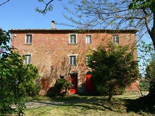 Rustic Mansion in Castiglione del Lago with Garden
