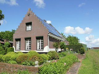 Cozy Holiday Home in Egmond aan den Hoef near Sea