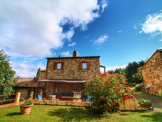 Authentic Tuscan holiday home on property with stunning views