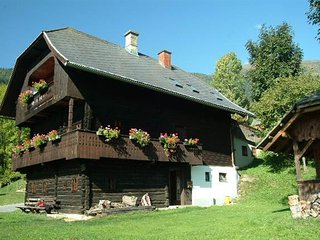 Vintage Holiday Home in Arriach Carinthia with Private Garden