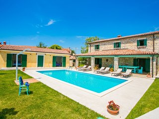 Newly renovated stone villa with pool and large property ideal for 12 people