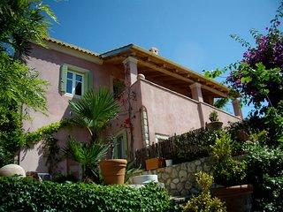 Traditional Stone Villa Skripero