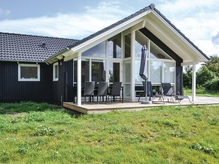 Awesome home in Knebel w/ Sauna, WiFi and 3 Bedrooms (D34101)