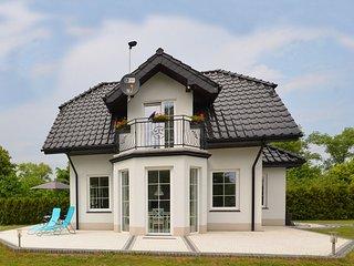 A luxury villa in a seaside village.Living room, 2 bedrooms, 2 bathrooms, garden