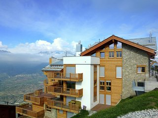 Luxury Apartment with Jacuzzi in Veysonnaz
