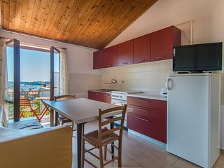 Apartment with Balcony and Sea View Ivan A4