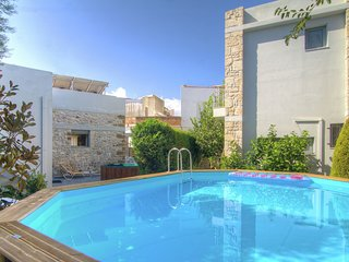Authentic villa in little village, 10 pers. at 1,5km from sea, NW coast