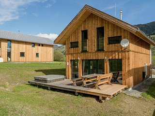 Luxurious Chalet in Sankt Georgen ob Murau with Jacuzzi