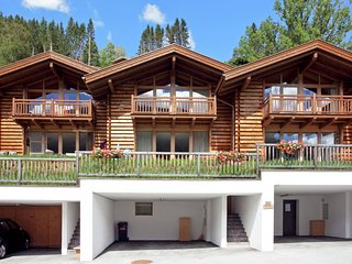 Luxurious Chalet in Wald im Pinzgau with Sauna