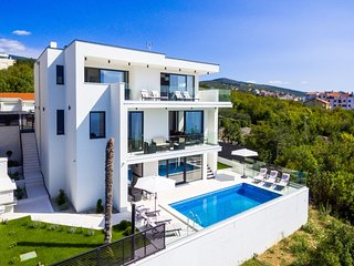 Luxurious villa in Crikvenica with wellness spa