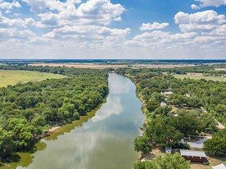 Brazos River Cabin