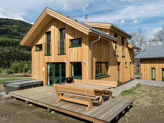 Luxurious Wooden Chalet in Sankt Georgen ob Murau with Jacuzzi