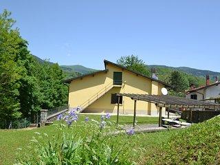 Modern Villa in San Marcello Pistoiese with Private Garden