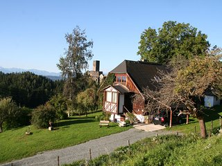 Quaint Holiday Home in Leibenfels with barbecue