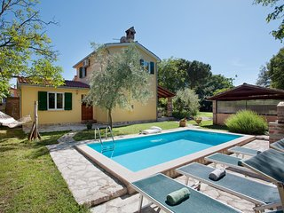 Peaceful Holiday Home in Umag with Swimming Pool