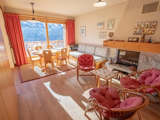 Apartment 6pers. with fireplace, located at 150m from Morel chairlift
