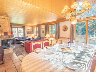 Spacious and comfortable chalet for 8pers. at Meribel Altitude 1600