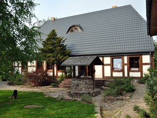 Beautiful Cottage in Dzierzecin with Parking