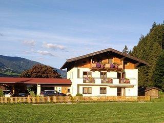 Cozy Holiday Home in Hollersbach im Pinzgau near Ski Area