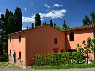 Centrally located for the cities of art in Tuscany in a picturesque area