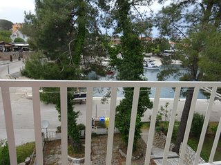 Nice house apartment with balcony, 50 m distant from the beach !