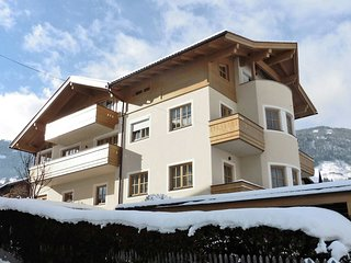 Cozy Villa near Ski Lift in Fugen